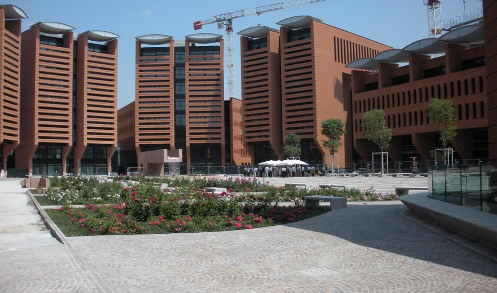 Complesso polifunzionale a Treviso visto dalla piazza