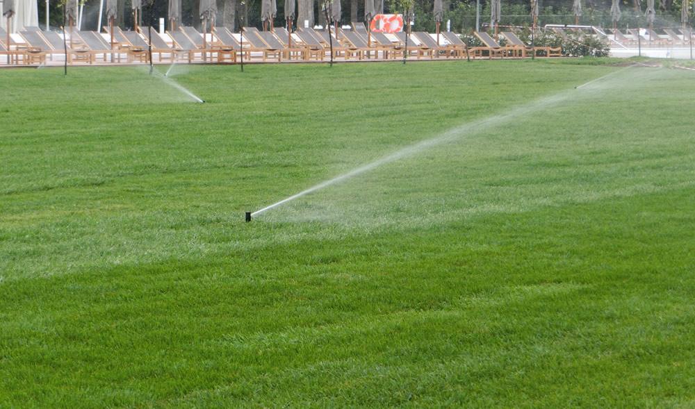 Irrigazione di campo da calcio realizzata da Il Germoglio