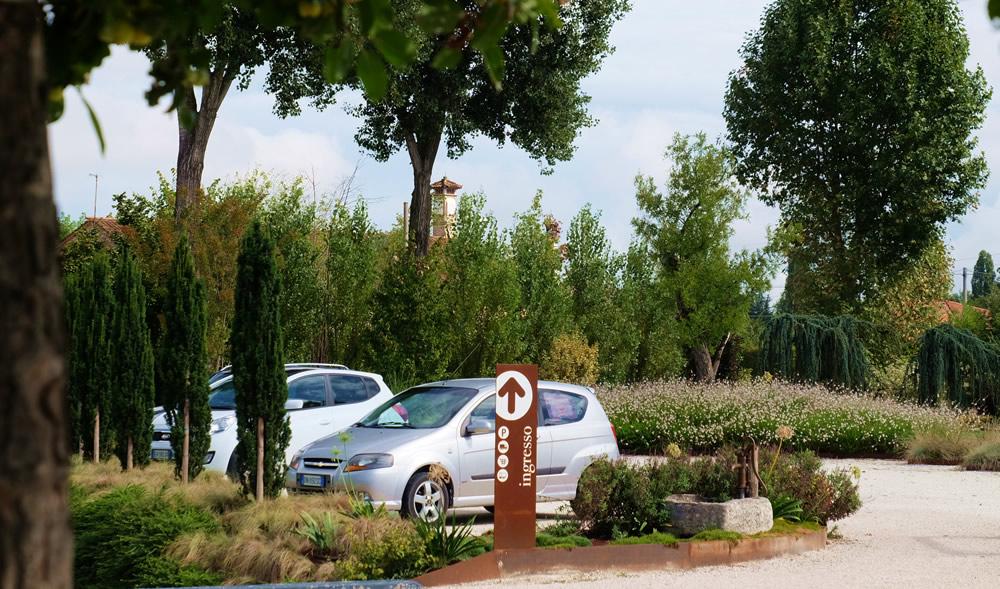 parcheggio-verde-germoglio