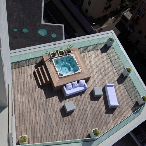 Come scegliere una piscina: quale forma, dove installarla e quanto ...