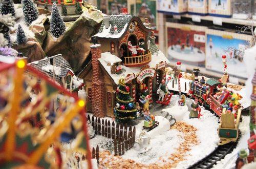 Costruire un villaggio di Natale è facile con Lemax! thumb