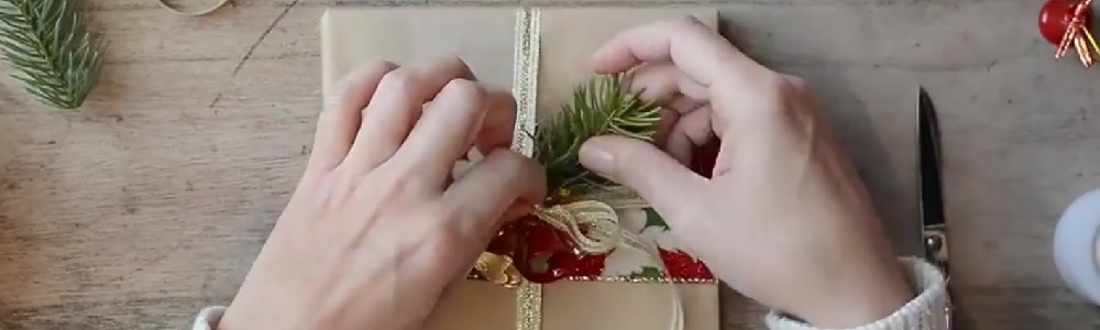 Regali Di Natale Video.Come Confezionare I Regali Di Natale In Modo Originale I Video